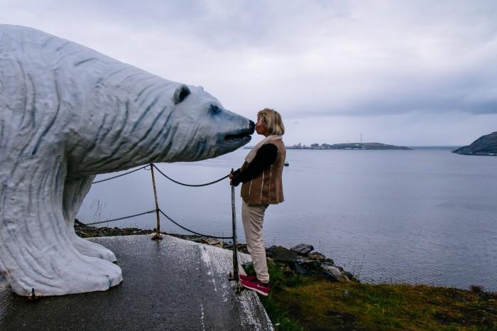 Goodbye kiss in Hammerfest