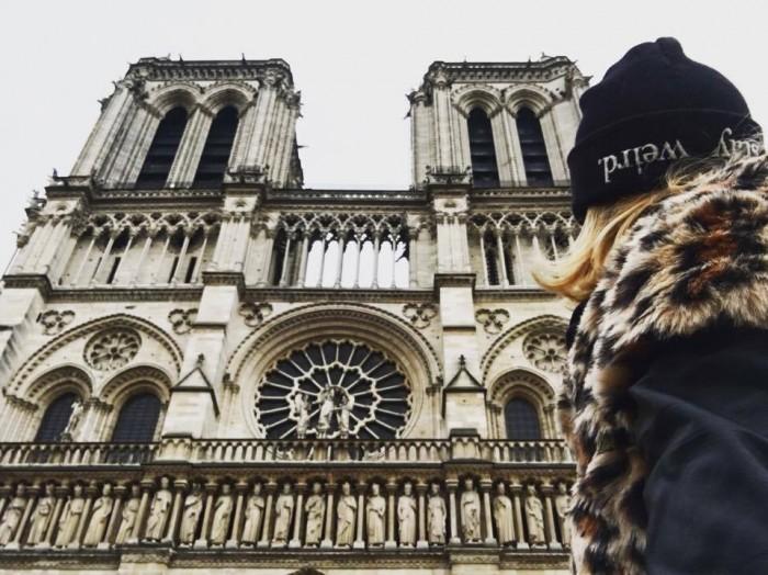 Tämä on toisella päivää otettu, kun kävin eka Notre Damella sateella ei puhelin suostunut yhteistyöhön