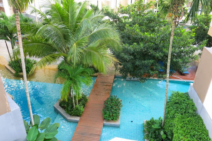 Oi hotellini huoneita ympäröivä laguuni oli niin kaunis, ikävä tuonne!