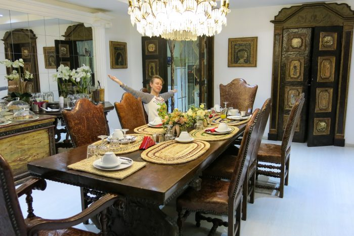 Antique furnitures in La Locanda del Pino hotel's breakfast room in Milan