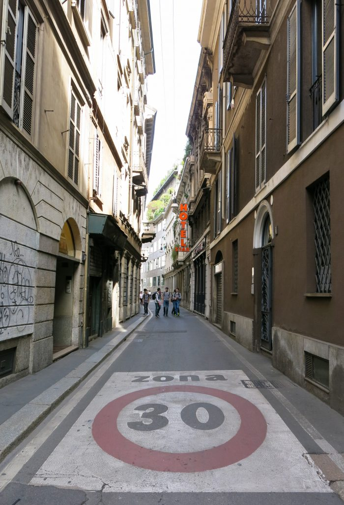 A speed limit of thirty in Milan streets